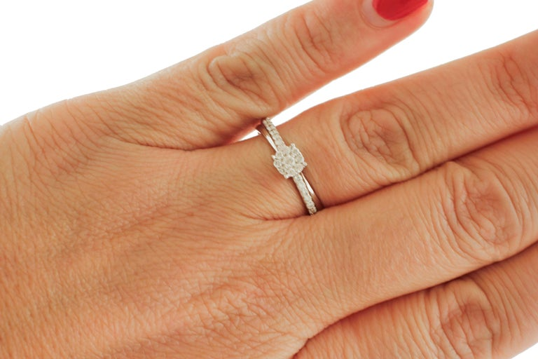 Women's White Diamonds, 18 Karat White Gold Engagement/Solitaire Ring For Sale