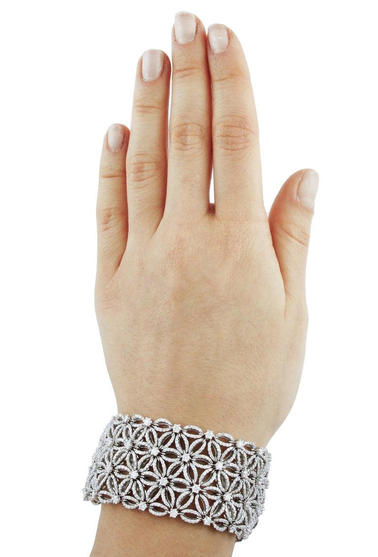 Women's White Diamonds Flower Theme White Gold Carpet Bracelet For Sale