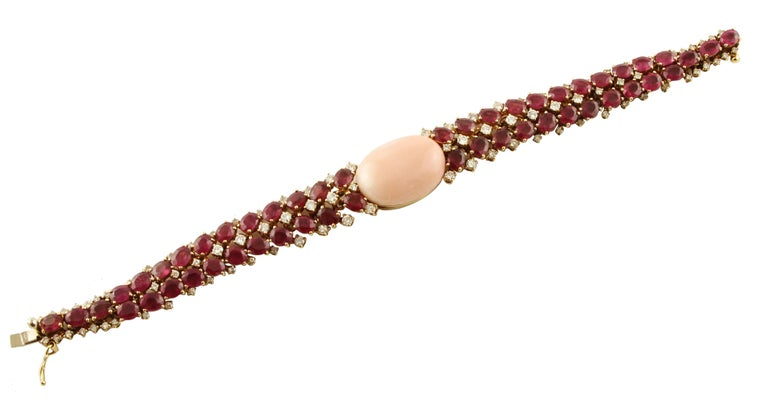 White Diamonds Rubies Pink Coral Rose Gold Bracelet In Excellent Condition For Sale In Marcianise, Caserta