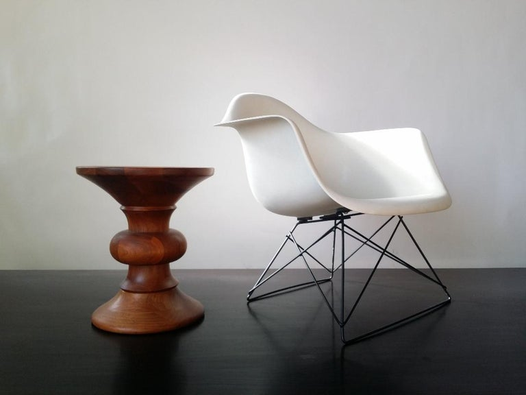 White Eames LAR Cats Cradle Chair For Sale 3