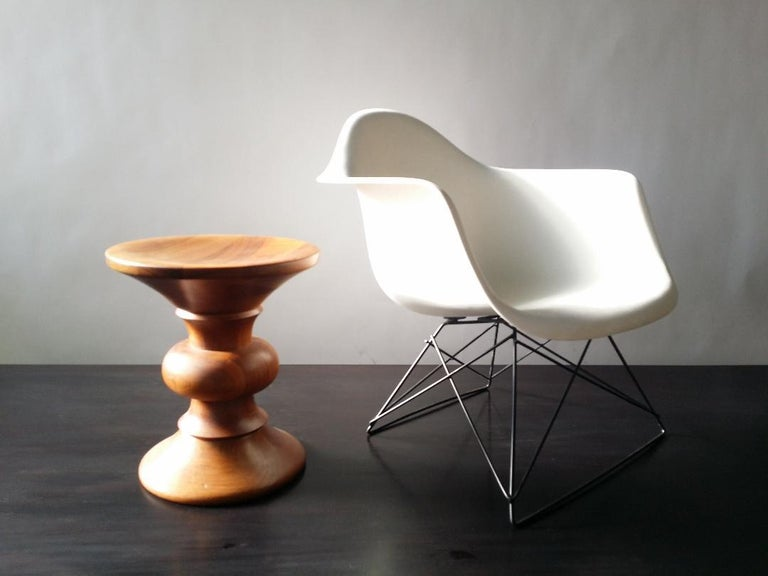 White Eames LAR Cats Cradle Chair For Sale 2