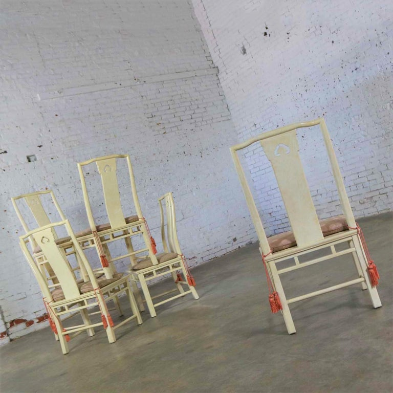 White Fine Furniture Asian Ming Chinoiserie Style off White Lacquer Dining Chair In Good Condition For Sale In Topeka, KS