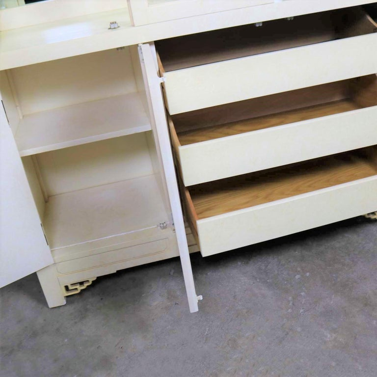 Wood White Fine Furniture Asian Ming Chinoiserie Style off White Lacquer Display Chin For Sale