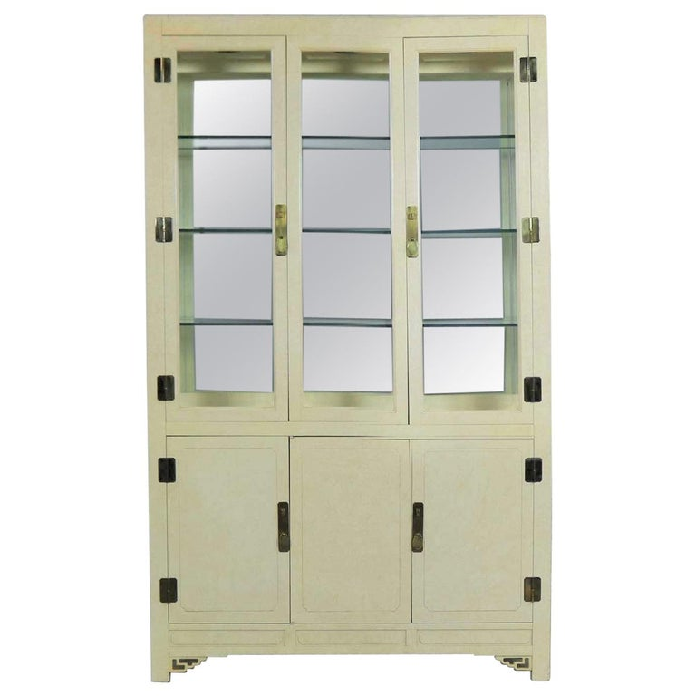 White Fine Furniture Asian Ming Chinoiserie Style off White Lacquer Display Chin For Sale