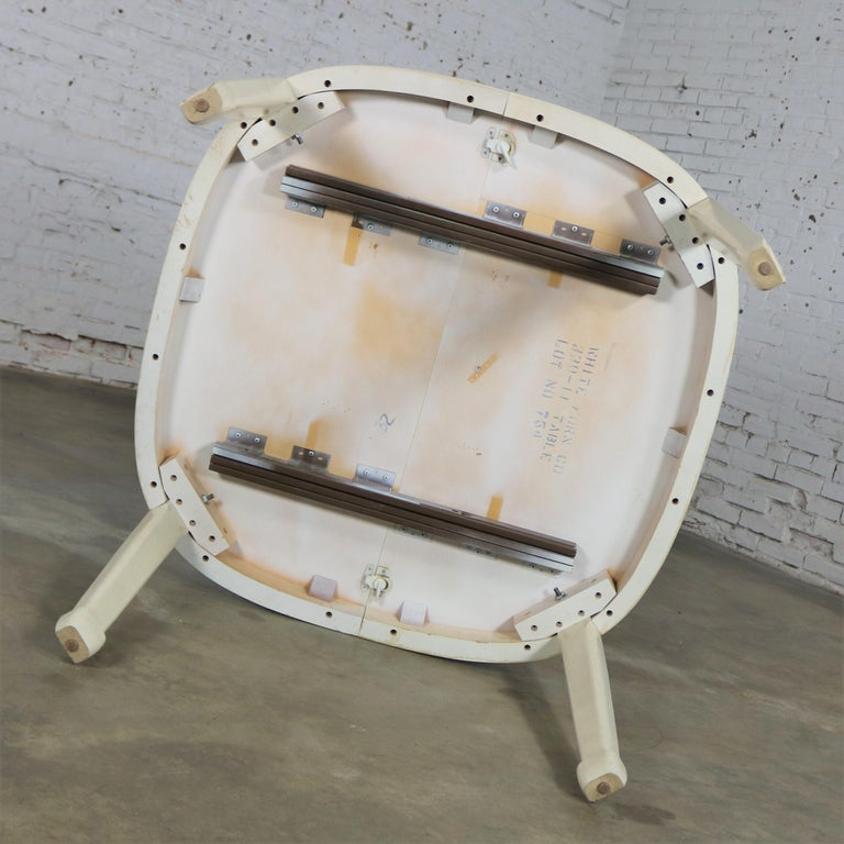 White Fine Furniture Asian Ming Chinoiserie Style off White Lacquer Oval Dining For Sale 6