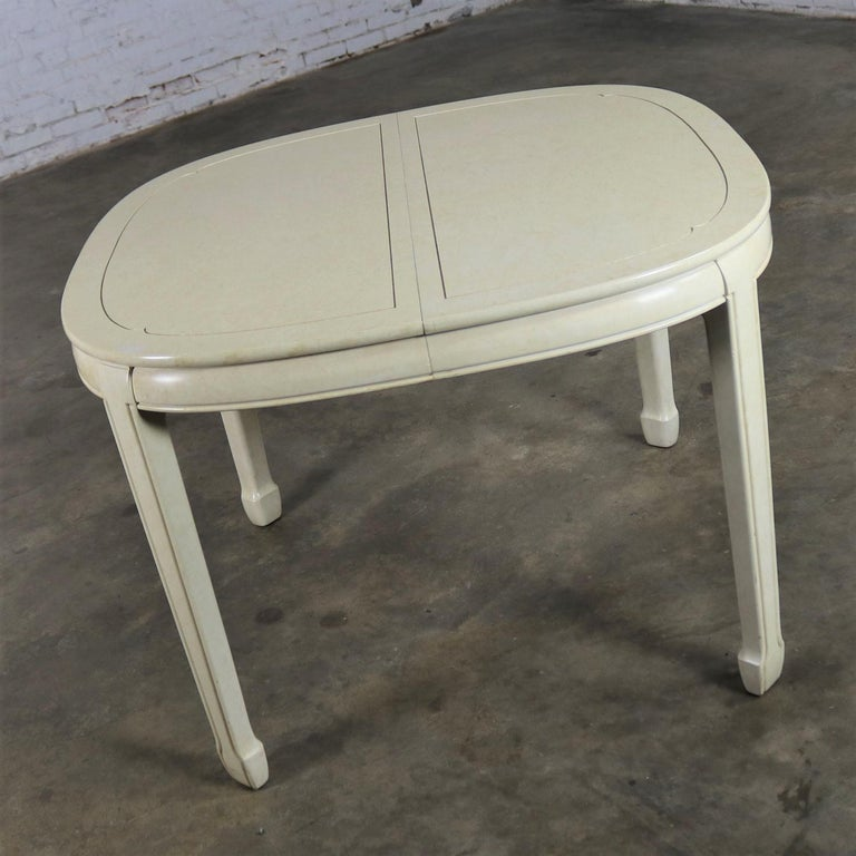 White Fine Furniture Asian Ming Chinoiserie Style off White Lacquer Oval Dining In Good Condition For Sale In Topeka, KS