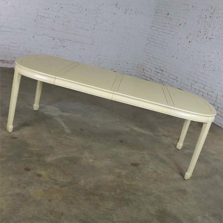 White Fine Furniture Asian Ming Chinoiserie Style off White Lacquer Oval Dining For Sale 2