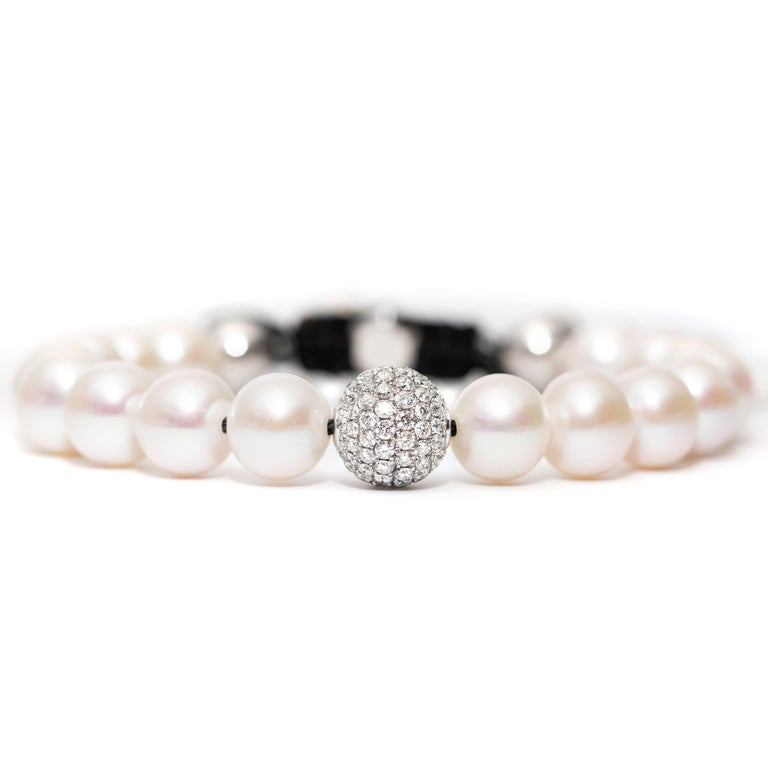 White Fresh Water Pearl Pave Set 1.80 Carat Diamond 18Karat White Gold Bracelet  In New Condition For Sale In London, GB