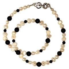 Gemjunky White Pearl and Black Onyx Choker Necklace or Bracelet June Birthstone
