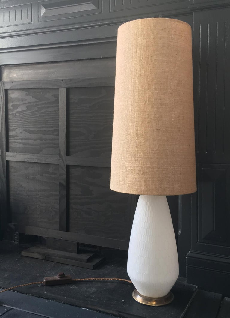 White Glass and Brass Lamp with Three-Way Switch, Mid-20th Century European For Sale 7