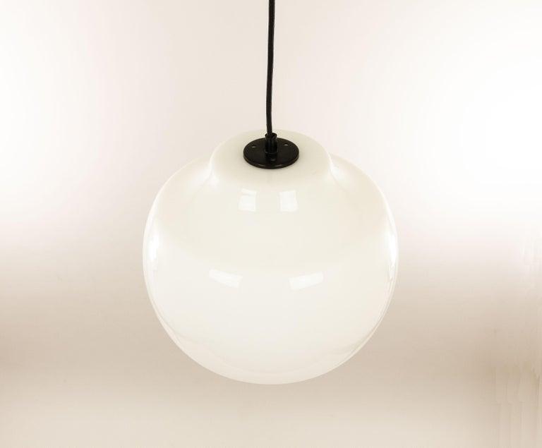 Italian White Glass Pendant by Alessandro Pianon for Vistosi, 1960s