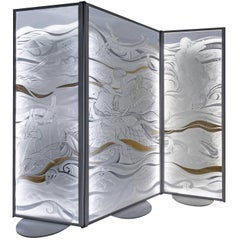 White Glass Screen