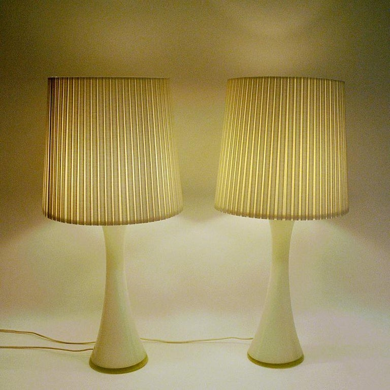 Blown Glass White Glass Table Lamp Pair by Berndt Nordstedt for Bergboms, Sweden, 1960s For Sale