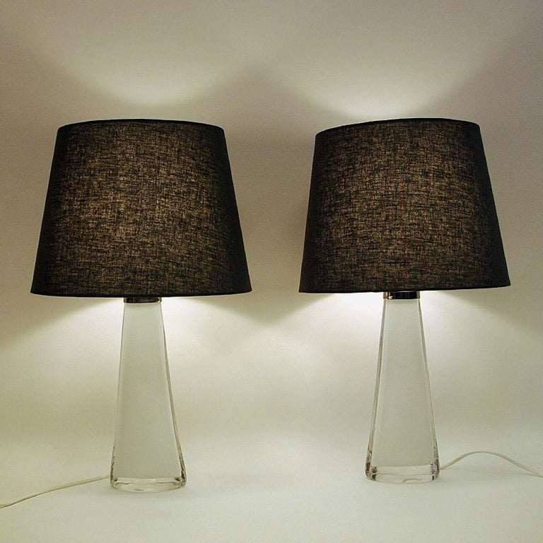 Swedish White Glass Tablelamp Pair RD1566 by Carl Fagerlund for Orrefors, Sweden 1960s For Sale