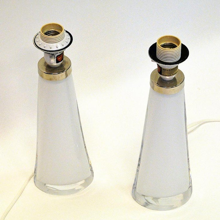 Crystal White Glass Tablelamp Pair RD1566 by Carl Fagerlund for Orrefors, Sweden 1960s For Sale