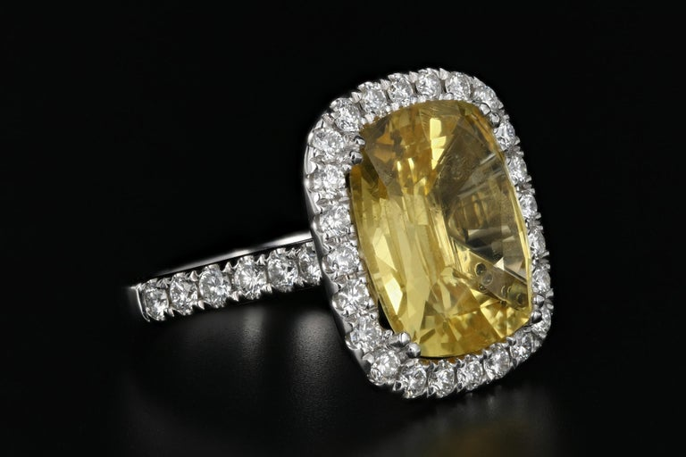 White Gold 10.83 Natural No Heat Yellow Sapphire and Diamond Ring AGL Certified In Good Condition For Sale In Cape May, NJ