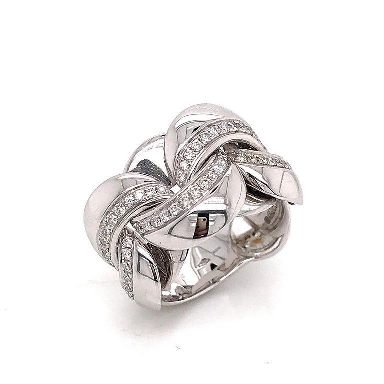 Women's White Gold 18 Karat Link with Diamonds Round Shape Flexible Ring For Sale