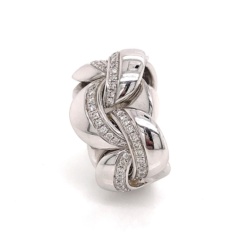 White Gold 18 Karat Link with Diamonds Round Shape Flexible Ring For Sale 1
