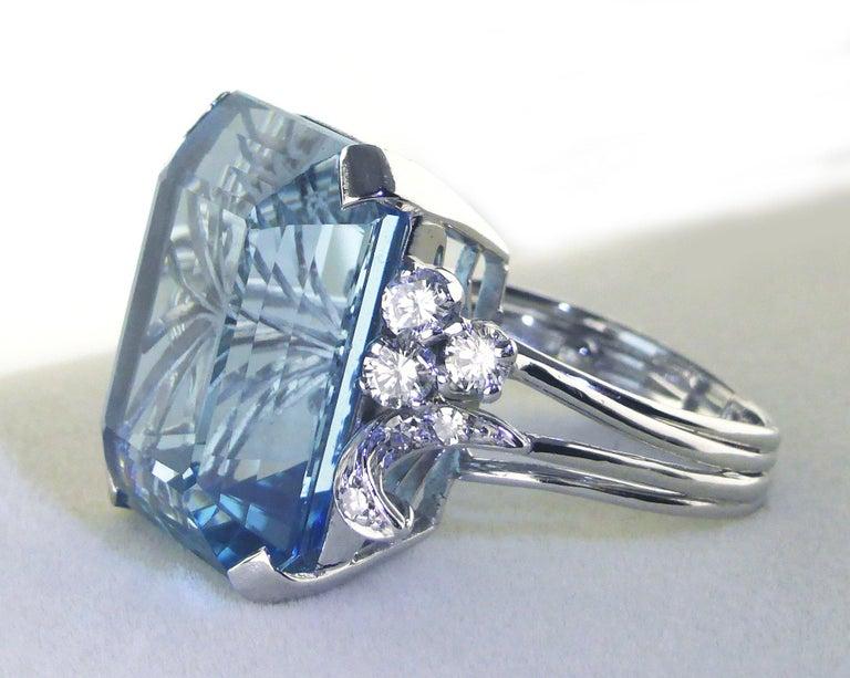 Women's or Men's White Gold 21.73 Carat Aquamarine and Diamond Ring, circa 1940 For Sale