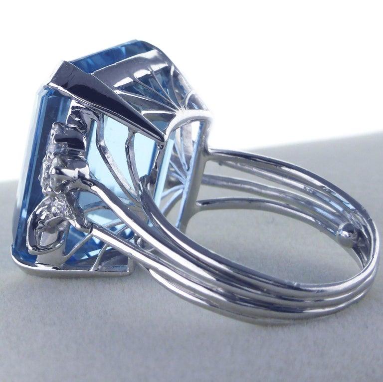 White Gold 21.73 Carat Aquamarine and Diamond Ring, circa 1940 For Sale 4