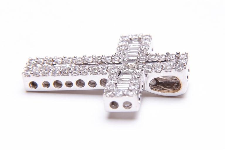 Modern White Gold and Diamond Cross / Crucifix Pendant, 77 Diamonds in Total 1.5 Carat For Sale