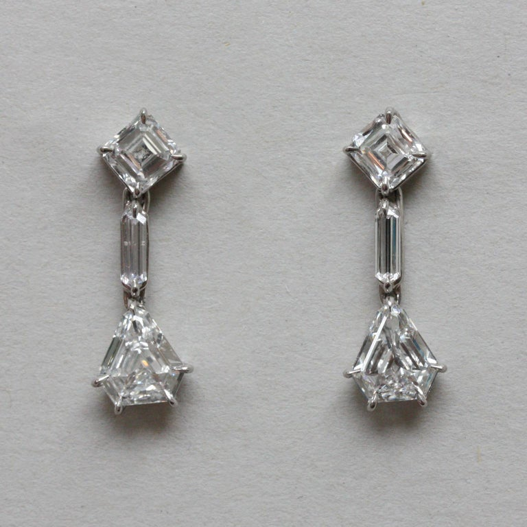 White Gold and Diamond Earrings In Excellent Condition For Sale In Amsterdam, NL