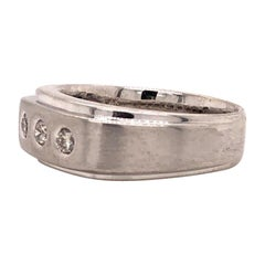 14 Karat White Gold Band 3 Round Diamonds Royal Engagement Wedding Eternity Ring