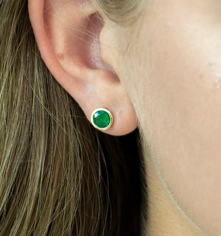 Round Cut White Gold Bezel Emerald Stud Earrings 0.90 Carats For Sale