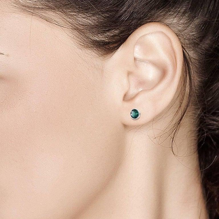 Women's or Men's White Gold Bezel Emerald Stud Earrings 0.90 Carats For Sale
