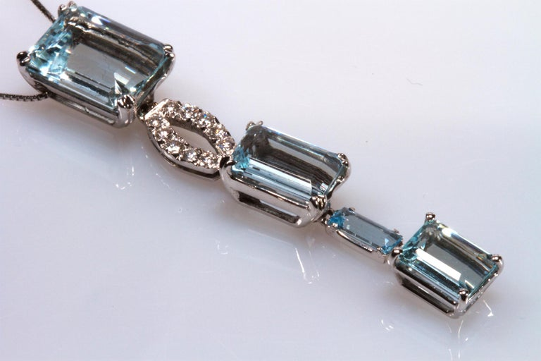 White Gold 18k ,Blue Aquamarine and Diamond Drop Necklace In New Condition In Rome, IT