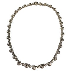 White Gold Decorative Chantecler Necklace
