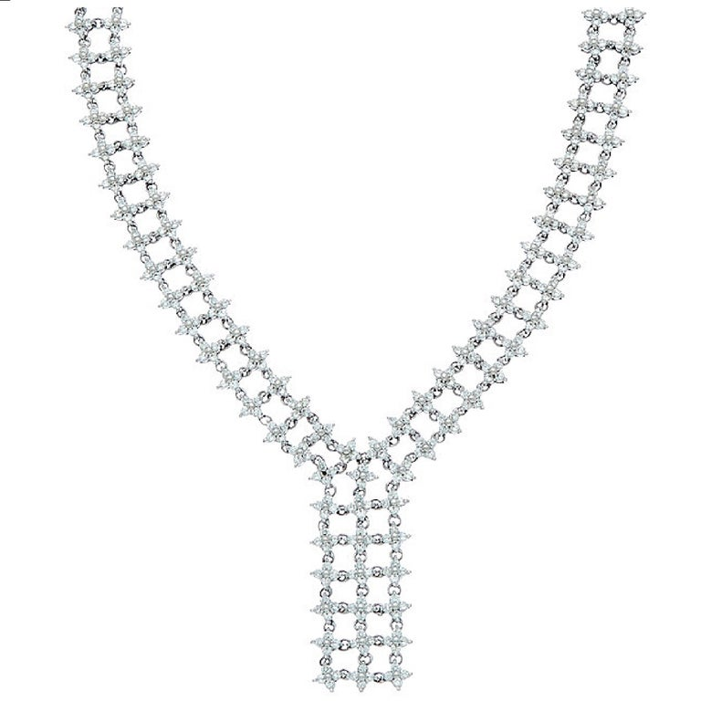 Round Cut White Gold Diamond Drop Necklace For Sale