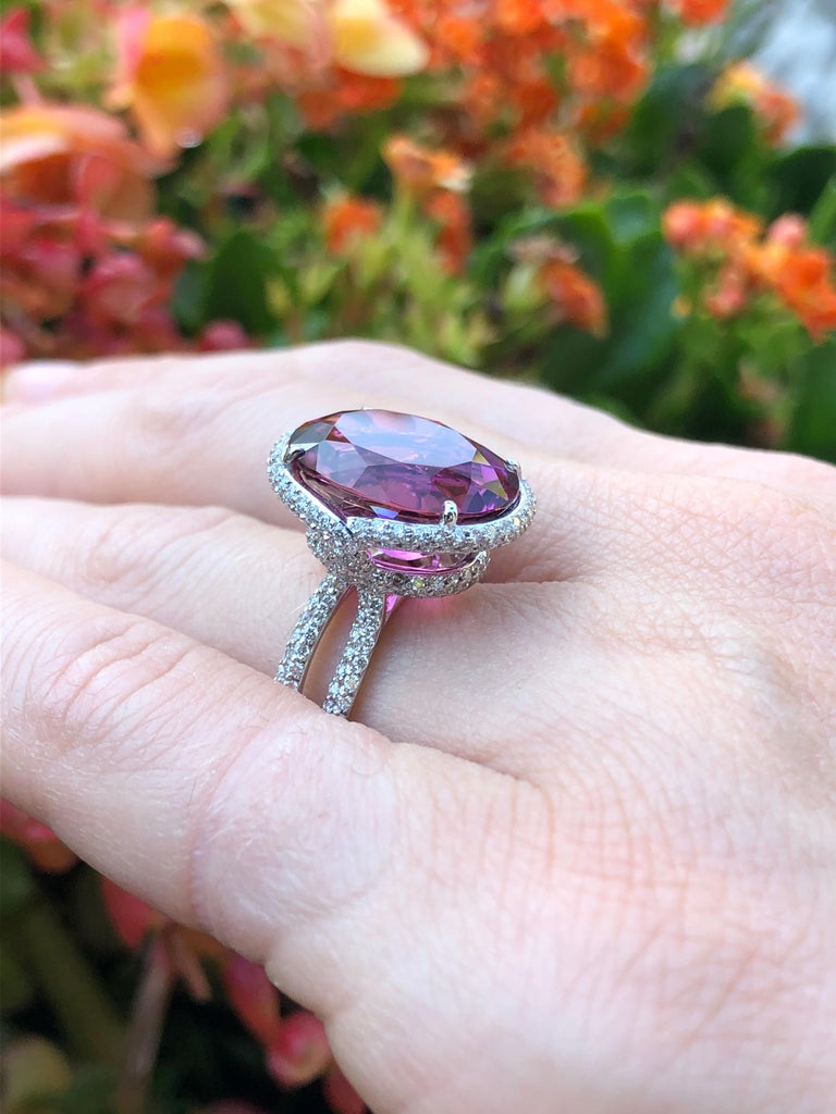 Rubellite Tourmaline Ring Oval 11.69 Carats In New Condition For Sale In Beverly Hills, CA