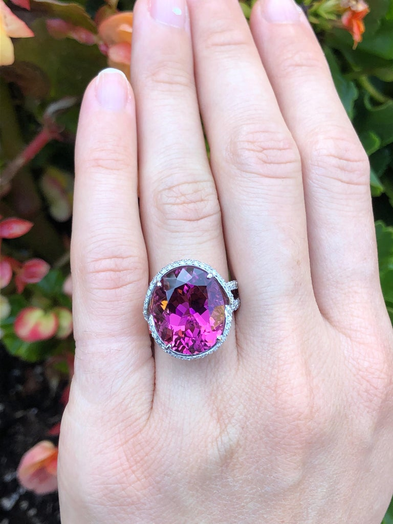 Women's Rubellite Tourmaline Ring Oval 11.69 Carats For Sale