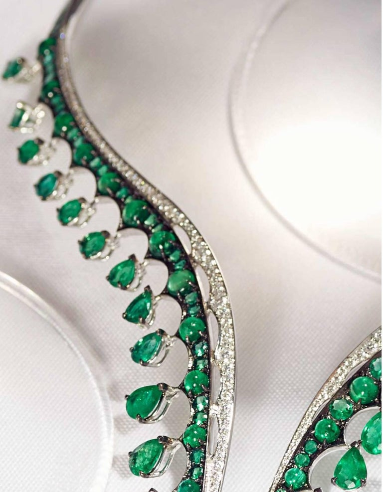 White Gold, White Diamonds and Gemfield Emeralds Necklace In As New Condition For Sale In London, GB