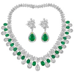 White Gold Earrings and Necklace Set with Diamonds and Emeralds, 114.03 Carat