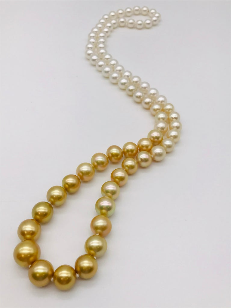 Round Cut  Long pearl necklace from white to gold color For Sale