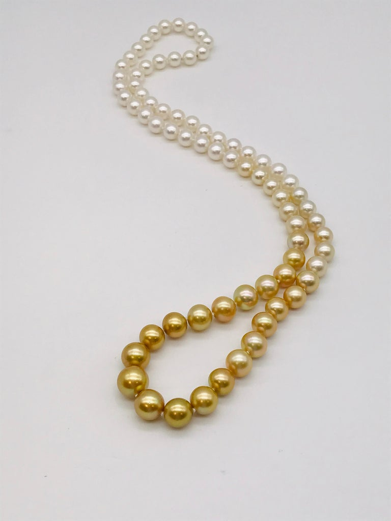 Long pearl necklace from white to gold color In New Condition For Sale In Vannes, FR