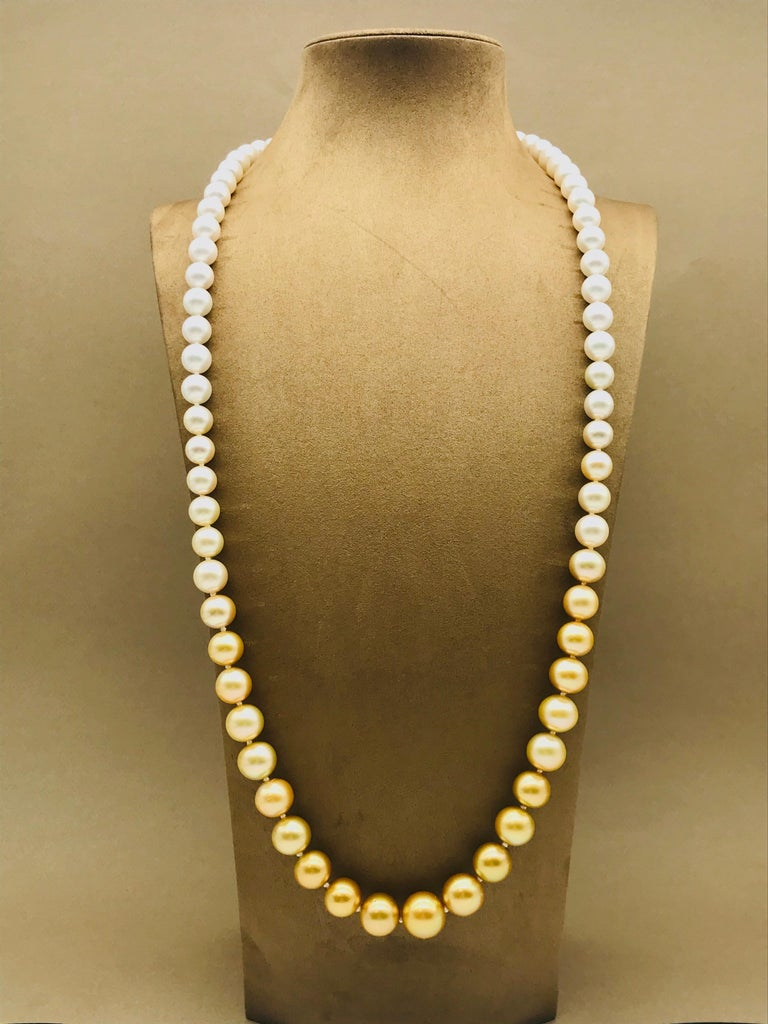 Long pearl necklace from white to gold color For Sale 1