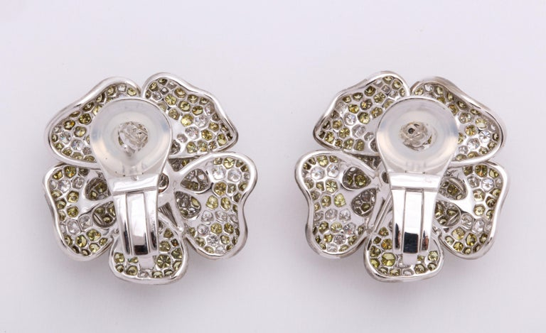 White Gold, Multi-Color Diamond Floral Earrings In New Condition For Sale In New York, NY