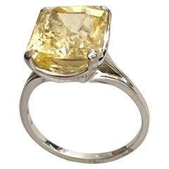 White Gold Ring, One Natural Untreated Yellow Sapphire, 14.20 Carat. GIA Certif.