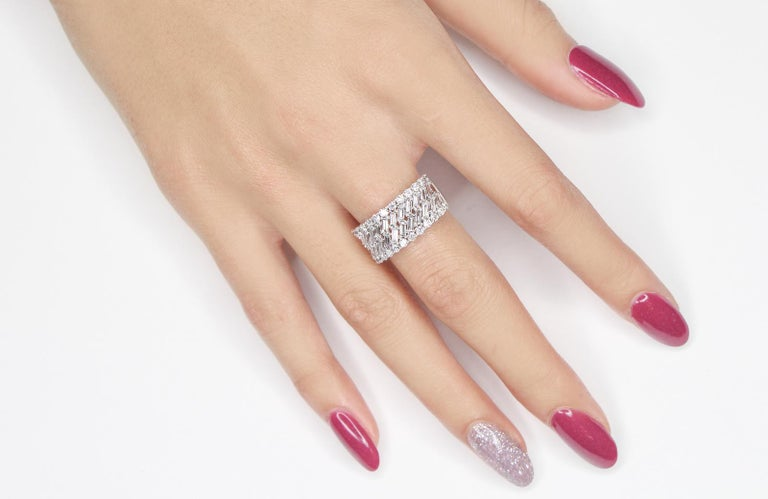 Baguette Cut 1.57 Carat White Gold Round and Baguette Diamond Ring Weighing Bridal Rings For Sale