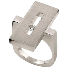 Diamond in White Gold Suspended Rectangle Ring