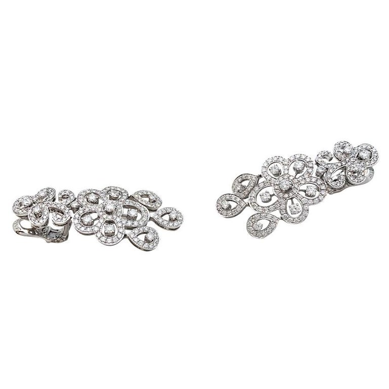 Contemporary White Gold Van Cleef & Arpels Diamonds Earrings For Sale