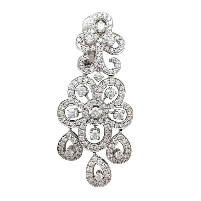 Round Cut White Gold Van Cleef & Arpels Diamonds Earrings For Sale