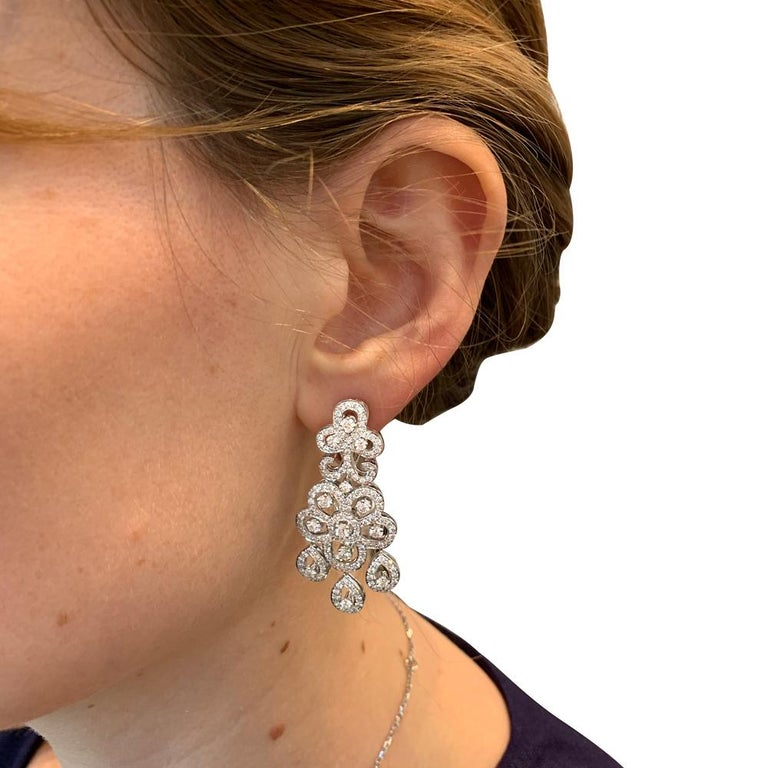 White Gold Van Cleef & Arpels Diamonds Earrings In Excellent Condition For Sale In Paris, IDF