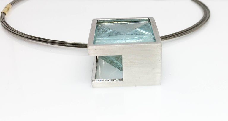 White Gold with Diamond Pave' Mirror Cut Aquamarine Pendant In New Condition For Sale In los angeles, CA