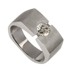White Gold with Round Solitaire Diamond Ring