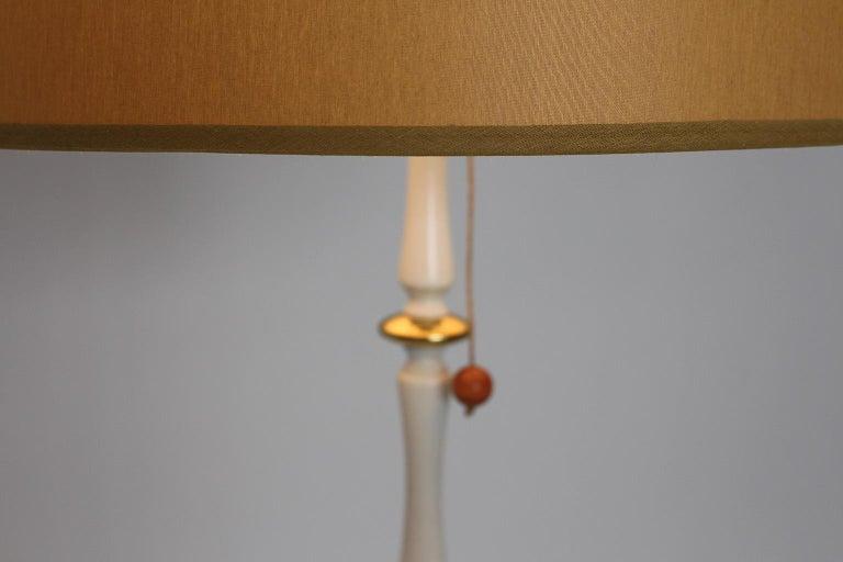 Mid-20th Century White Golden Metal Vintage Floor Lamp Mid Century Modern, 1950s, Italy For Sale