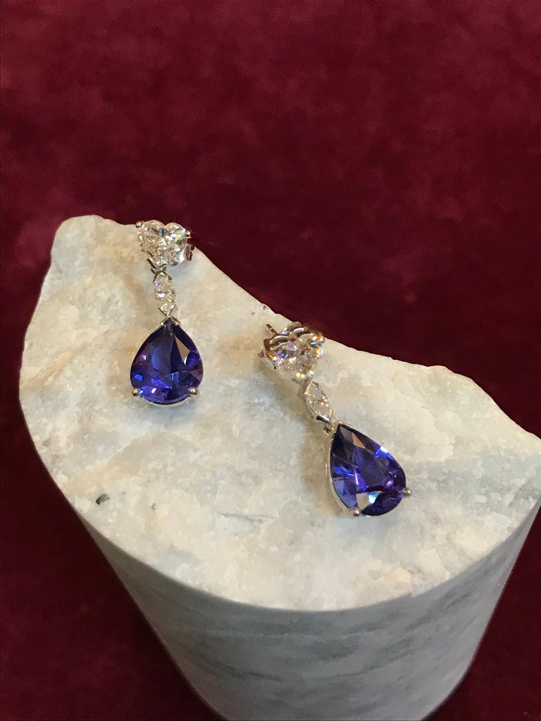 White Heart shaped Diamond and Tanzanite Drop Earrings In New Condition For Sale In London, GB